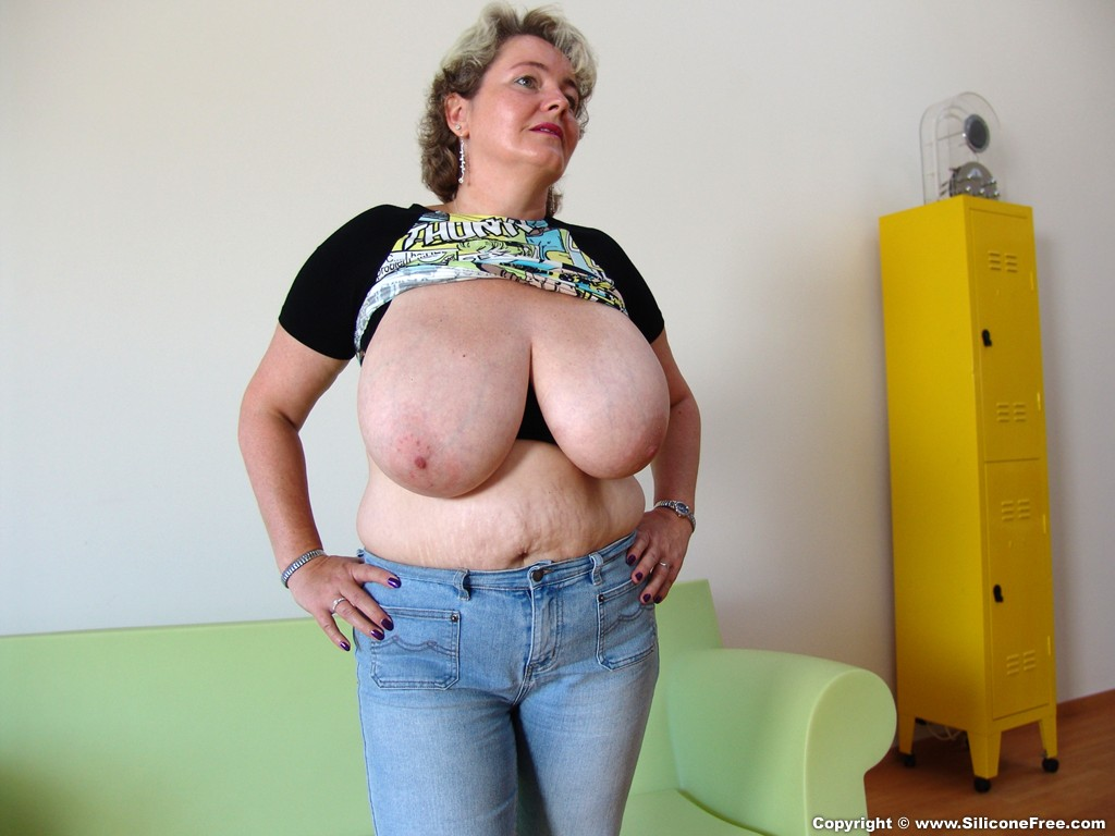 Free big saggy tits