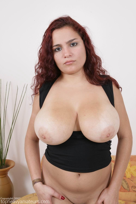 Amateur babe huge natural boobs fingering 4