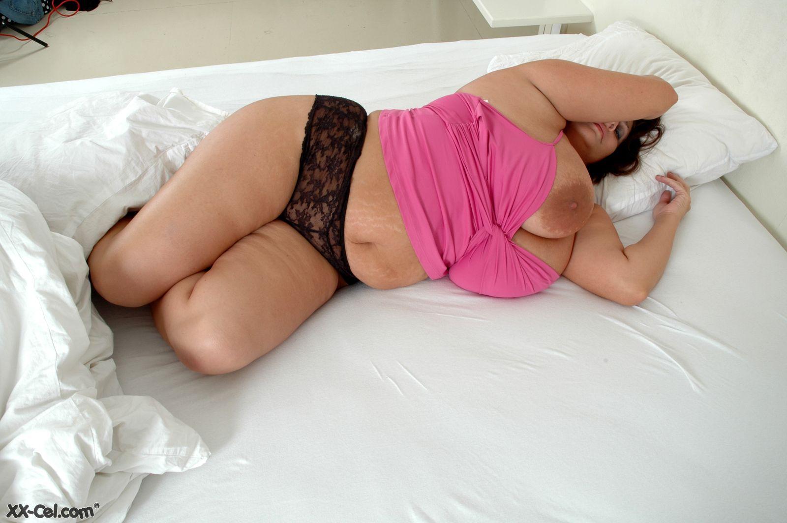 Dolly parton fake nude pics